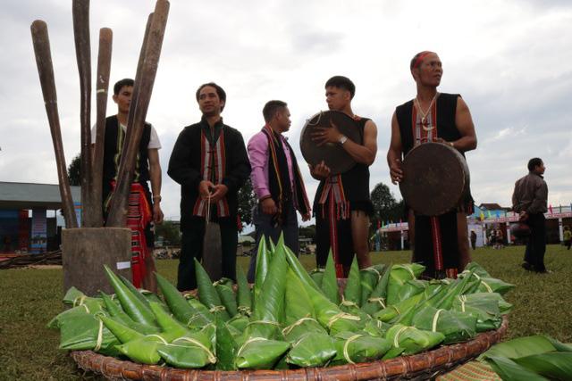 Độc đáo Tết mùa truyền thống của đồng bào Bh'noong - Ảnh 1.