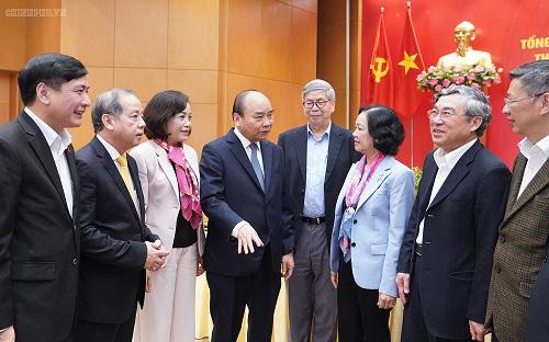 Thủ tướng Nguyễn Xuân Phúc: Cần làm tốt công tác dân vận trên không gian mạng - Ảnh 1.