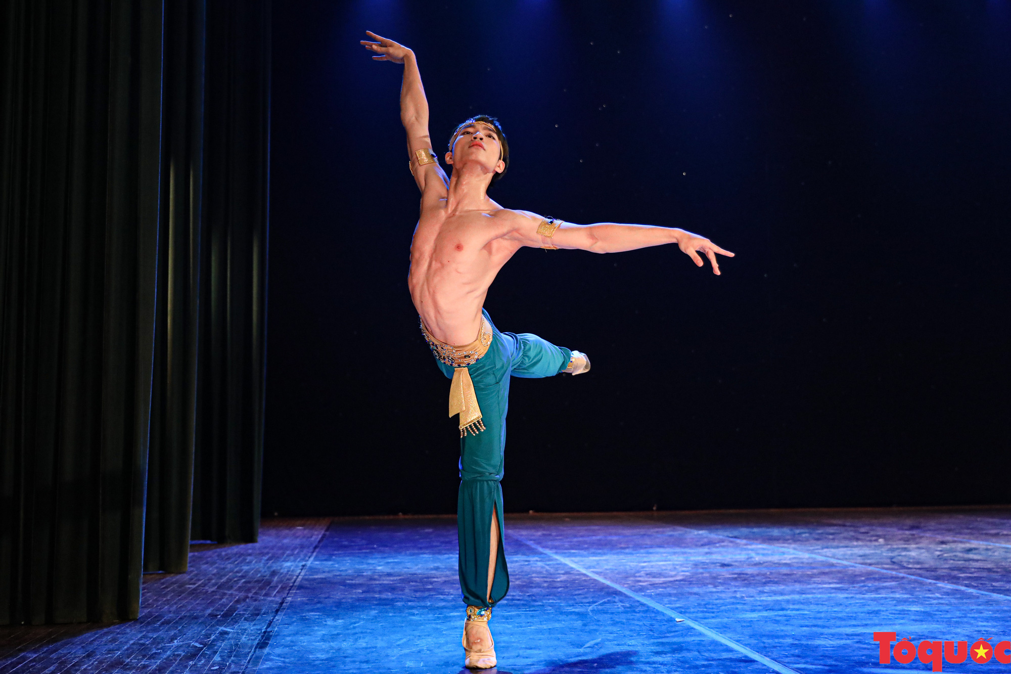 Nhiều bài thi ấn tượng trong đêm khai mạc cuộc thi Tài năng diễn viên múa 2020 khu vực phía Bắc - Ảnh 5.