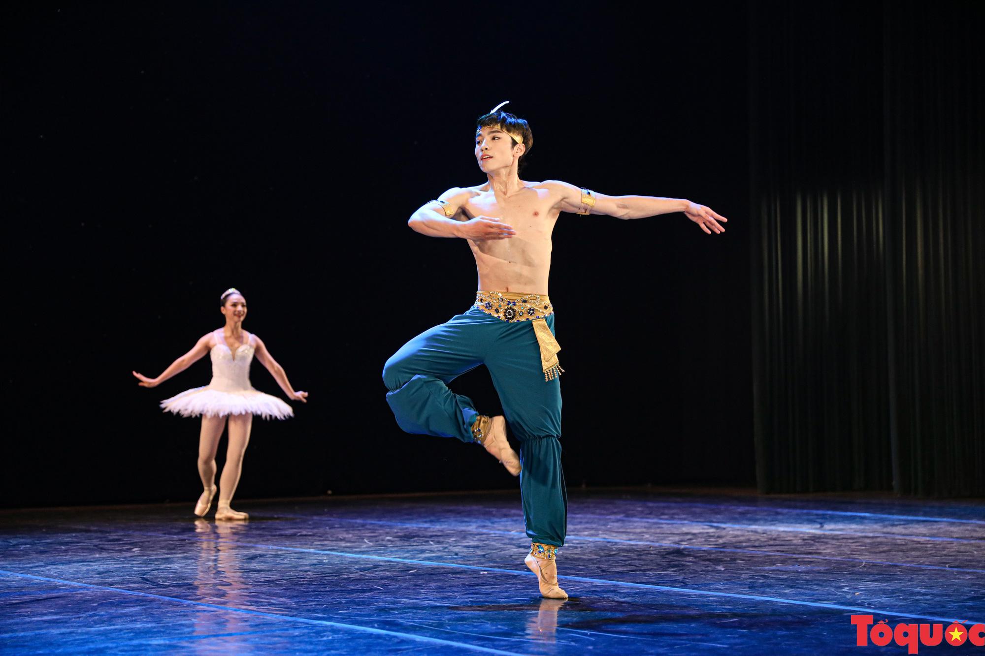 Nhiều bài thi ấn tượng trong đêm khai mạc cuộc thi Tài năng diễn viên múa 2020 khu vực phía Bắc - Ảnh 6.