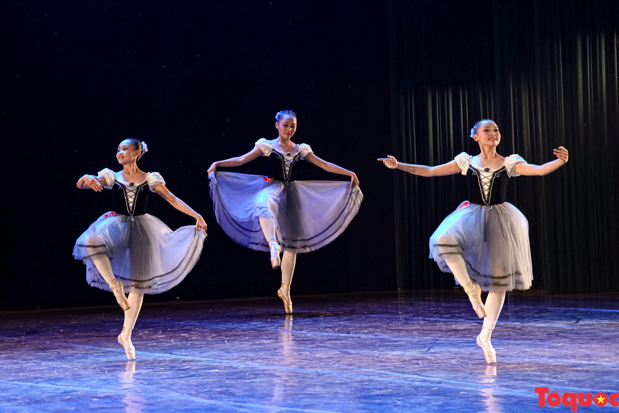 Nhiều bài thi ấn tượng trong đêm khai mạc cuộc thi Tài năng diễn viên múa 2020 khu vực phía Bắc - Ảnh 9.