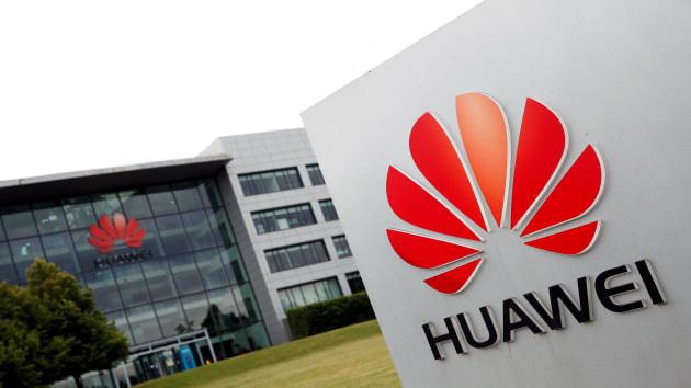 Tăng trưởng của Huawei chậm lại bởi trừng phạt của Mỹ - Ảnh 1.