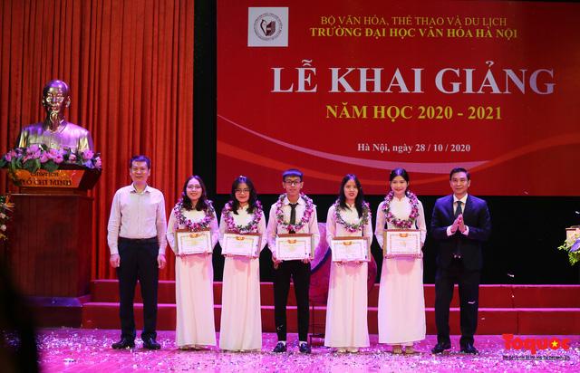 Bộ trưởng Nguyễn Ngọc Thiện: Nỗ lực xây dựng trường Đại học Văn hóa là ngôi trường đầu ngành đào tạo văn hóa, nghệ thuật và du lịch - Ảnh 2.