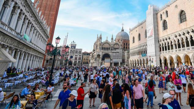 Venice tìm cách hồi phục du lịch, bắt đầu áp phí vào cửa đối với du khách - Ảnh 1.