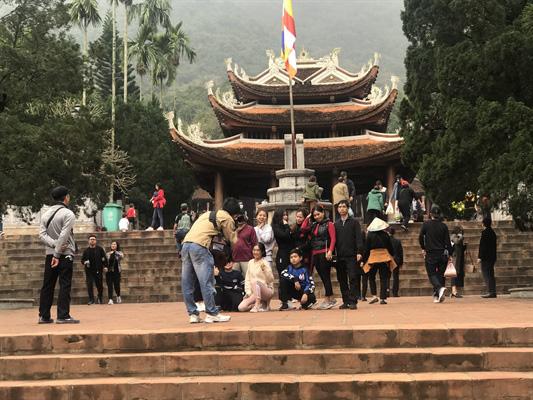 Bộ VHTTDL kiểm tra công tác giảm quy mô lễ hội tại Chùa Hương: chuyển biến tích cực trong triển khai các biện pháp phòng chống dịch do virus corona - Ảnh 2.