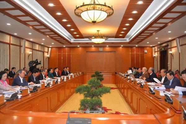 Tổng Bí thư, Chủ tịch nước yêu cầu bình tĩnh lắng nghe, trân trọng tất cả các ý kiến khi xây dựng các dự thảo văn kiện Đại hội XIII - Ảnh 2.
