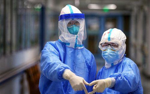 Trường quốc tế tại Hồng Kông trước nguy cơ đóng cửa vĩnh viễn vì dịch Covid-19 - Ảnh 1.