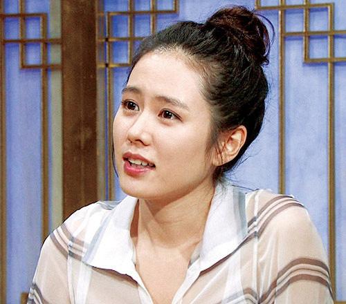 """Son Ye Jin được lục lại hình ảnh đi show cách đây 12 năm, fan thốt lên: """"Thời gian bỏ quên cô ấy rồi à?"""" - Ảnh 5."""