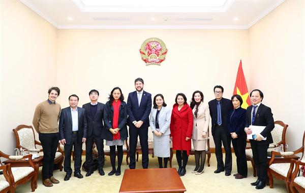 Thứ trưởng Trịnh Thị Thủy: Việt Nam luôn nỗ lực bảo tồn những giá trị di sản, văn hóa gắn với phát triển du lịch bền vững - Ảnh 2.