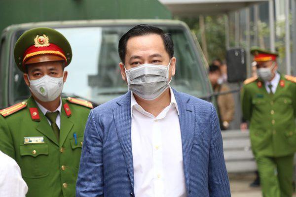 Hoãn phiên tòa xử ông Trương Duy Nhất - Ảnh 2.