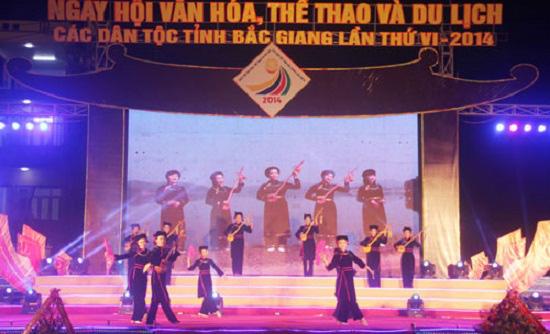 Tôn vinh các giá trị văn hóa truyền thống tốt đẹp của các dân tộc thiểu số - Ảnh 1.