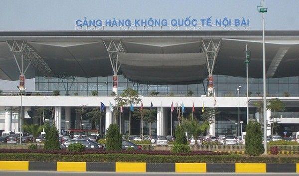 """Vượt rào cách ly định về Anh, cô gái 25 tuổi ở Hà Nội bị """"tóm"""" ngay tại sân bay Nội Bài - Ảnh 1."""