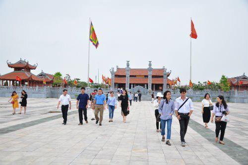 Bắc Giang: Không phân biệt đối xử với khách du lịch - Ảnh 1.