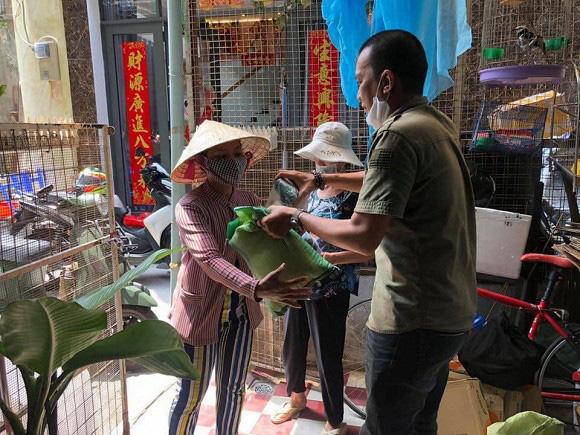 Diễn viên Lê Bê La kêu gọi giúp người người bán vé số - Ảnh 3.