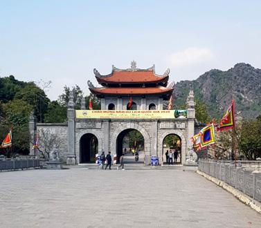 Tổng lượt khách đến Ninh Bình trong Quý I/2020 giảm mạnh - Ảnh 1.