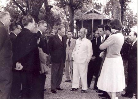 Đường lối đối ngoại hòa bình và nhân văn trong tư tưởng Hồ Chí Minh  - Ảnh 1.