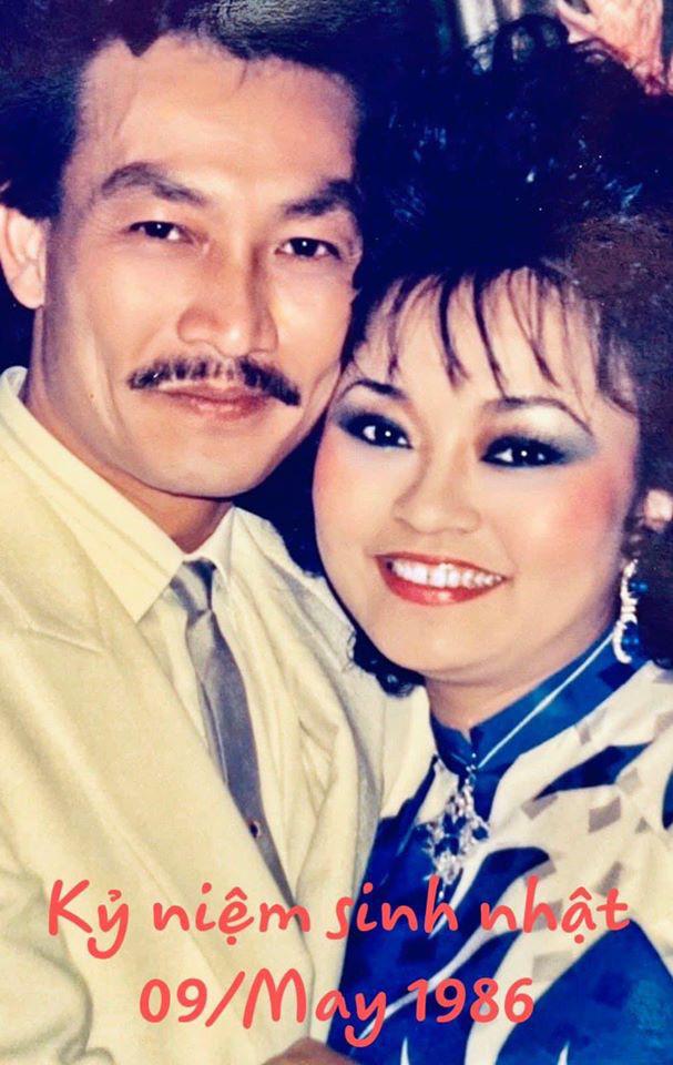 Danh ca Hương Lan khoe ảnh ngọt ngào với ông xã cách đây 34 năm - Ảnh 1.