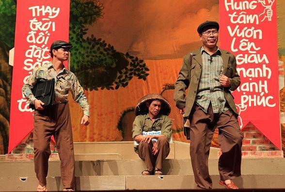 """Vở kịch Bệnh sĩ của Lưu Quang Vũ mở màn """"chiến dịch"""" kéo khán giả trở lại sân khấu  - Ảnh 2."""