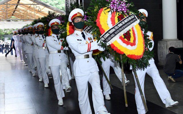 Cử hành trọng thể lễ tang đồng chí Nguyễn Đình Hương - Ảnh 9.