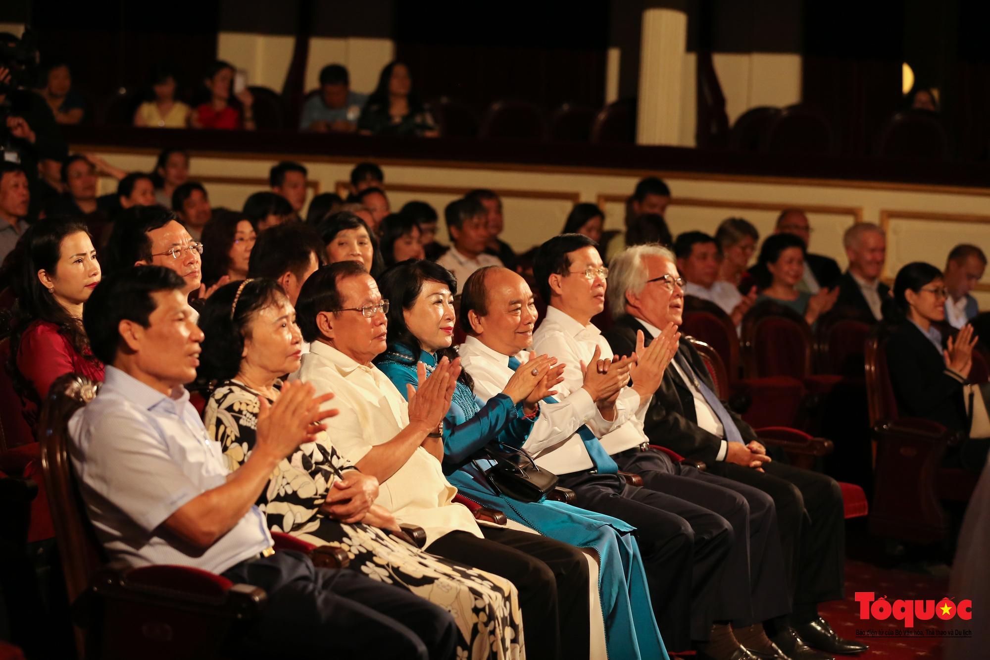 Nhiều cung bậc cảm xúc trong đêm nhạc 'Biển nhớ' tưởng nhớ cố nhạc sĩ Trịnh Công Sơn - Ảnh 10.