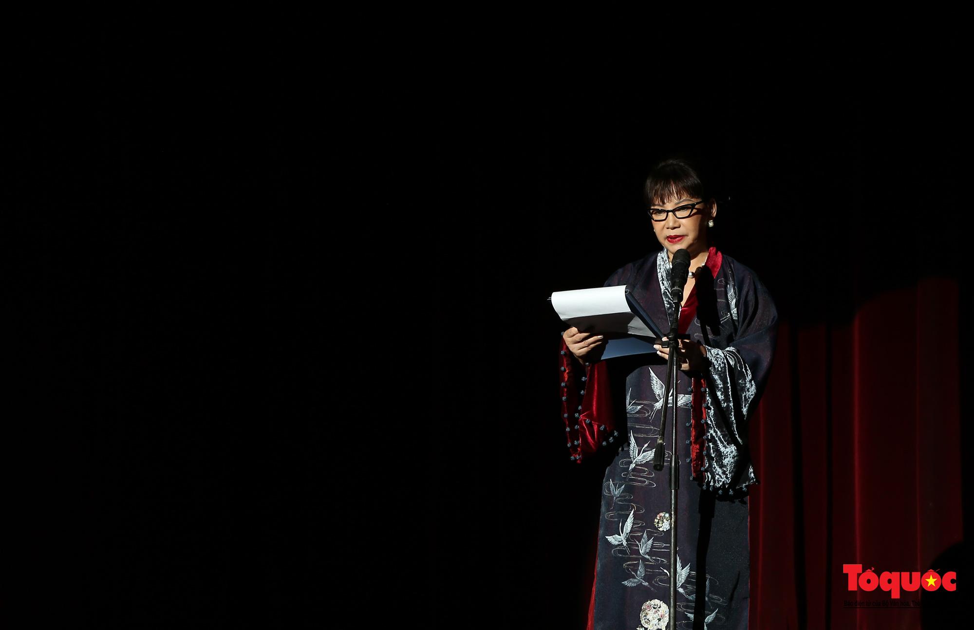 Nhiều cung bậc cảm xúc trong đêm nhạc 'Biển nhớ' tưởng nhớ cố nhạc sĩ Trịnh Công Sơn - Ảnh 5.