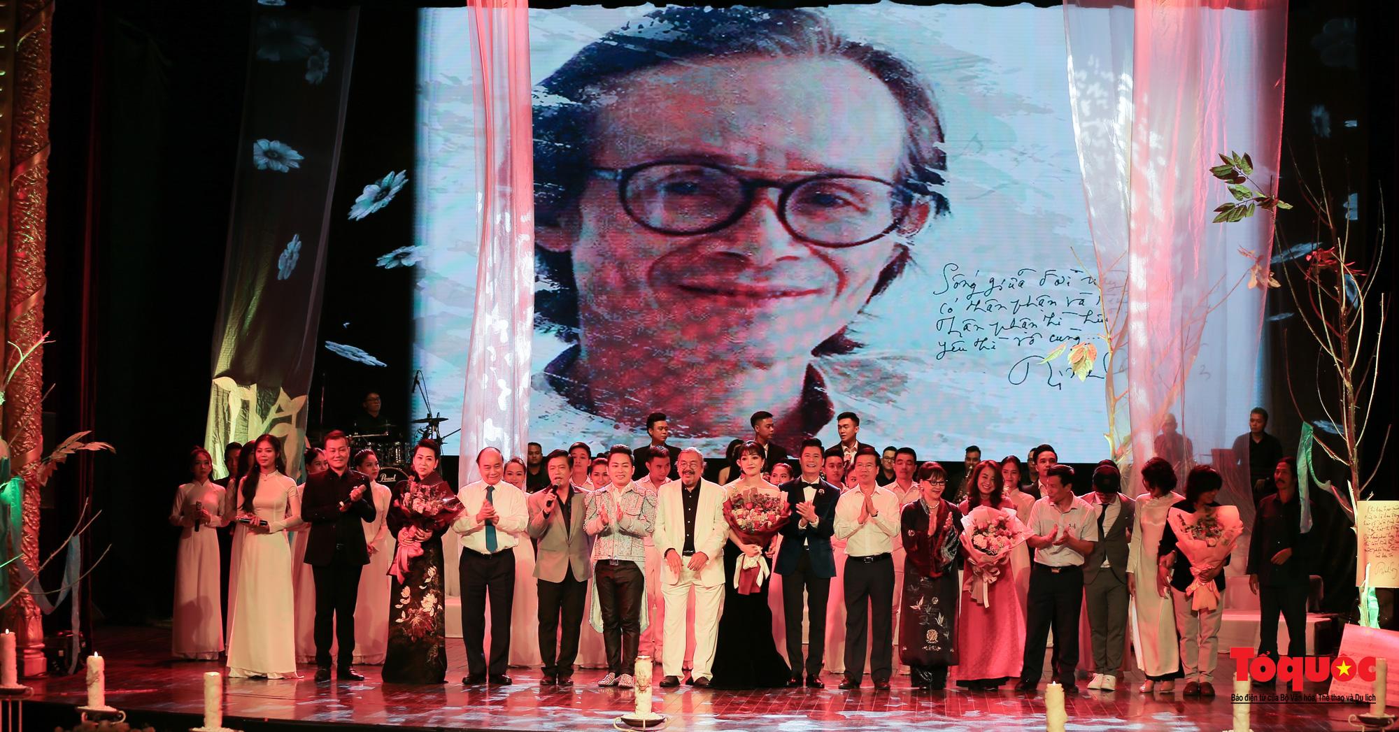 Nhiều cung bậc cảm xúc trong đêm nhạc 'Biển nhớ' tưởng nhớ cố nhạc sĩ Trịnh Công Sơn - Ảnh 19.