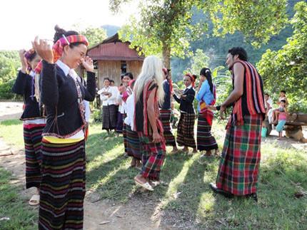 Tổ chức truyền dạy văn hóa phi vật thể cho dân tộc Phù Lá và dân tộc La Chí - Ảnh 1.