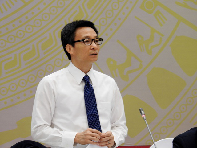 Phó Thủ tướng: Anh em địa phương chống dịch vẫn còn vất vả lắm, có hôm không ăn, mất ngủ theo đúng nghĩa đen - Ảnh 1.