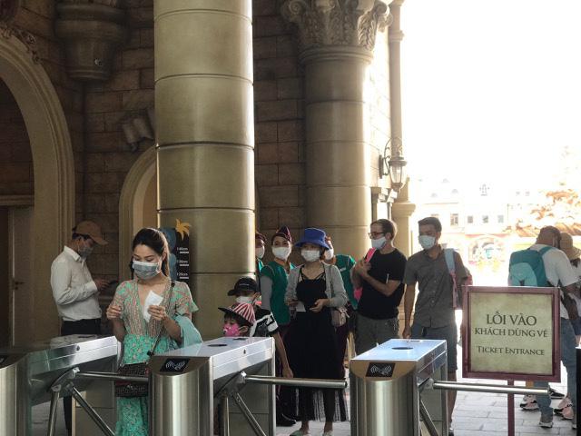 Tạm dừng đón khách tham quan du lịch đến từ thành phố Đà Nẵng - Ảnh 1.