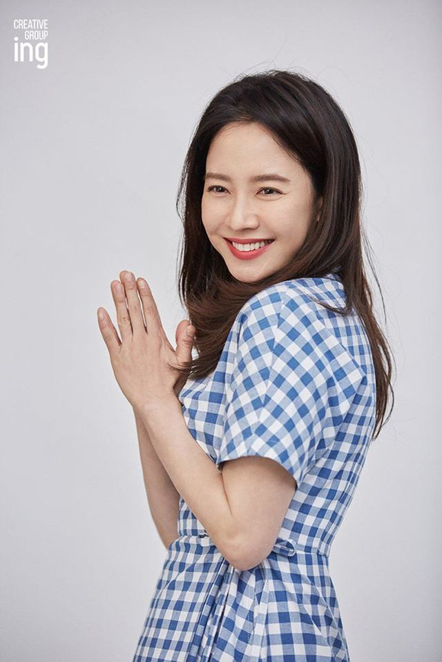 """""""Mợ ngố"""" Song Ji Hyo khoe nhan sắc ngọt ngào tuổi 39 - Ảnh 2."""