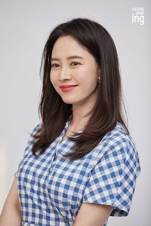 """""""Mợ ngố"""" Song Ji Hyo khoe nhan sắc ngọt ngào tuổi 39 - Ảnh 4."""
