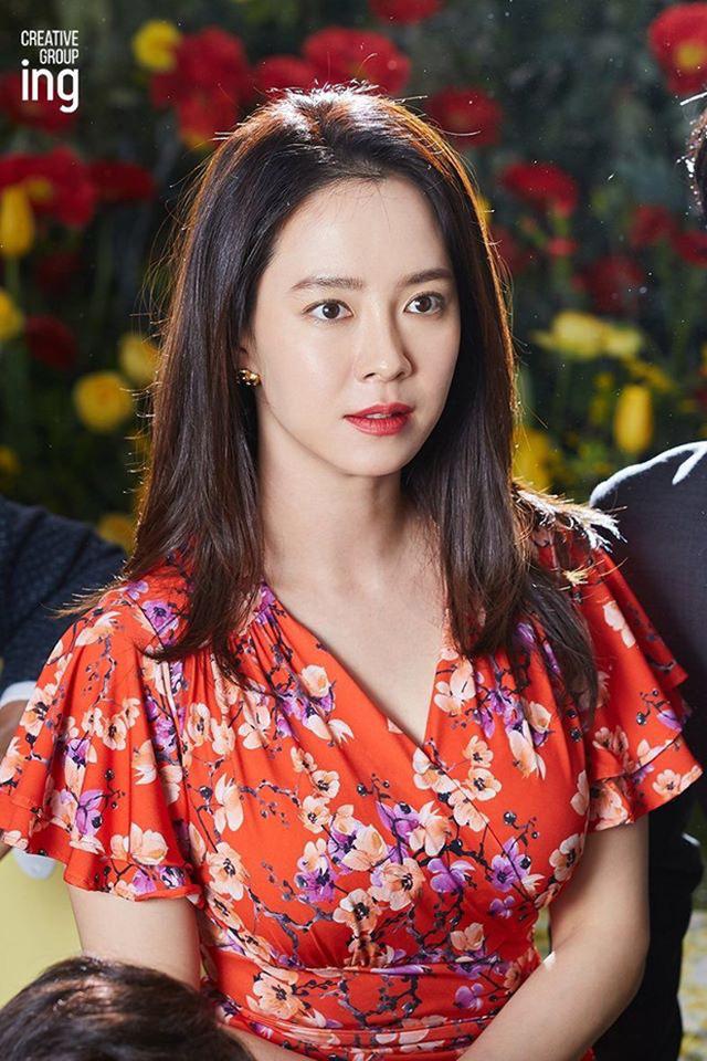 """""""Mợ ngố"""" Song Ji Hyo khoe nhan sắc ngọt ngào tuổi 39 - Ảnh 5."""