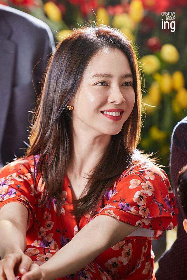 """""""Mợ ngố"""" Song Ji Hyo khoe nhan sắc ngọt ngào tuổi 39 - Ảnh 6."""