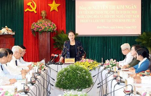 Chủ tịch Quốc hội lưu ý tỉnh Bình Phước hỗ trợ người lao động sớm quay trở lại làm việc, ổn định cuộc sống - Ảnh 1.