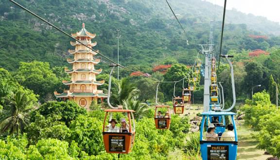Tạm dừng hệ thống cáp treo Núi Bà Tây Ninh  và xe ống trượt  - Ảnh 1.