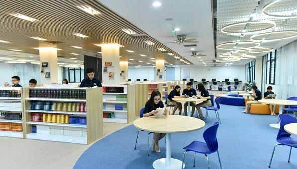 Thanh Hóa: Ưu tiên bổ sung tài liệu quý hiếm và đẩy mạnh công tác số hóa trong hệ thống thư viện công cộng - Ảnh 1.