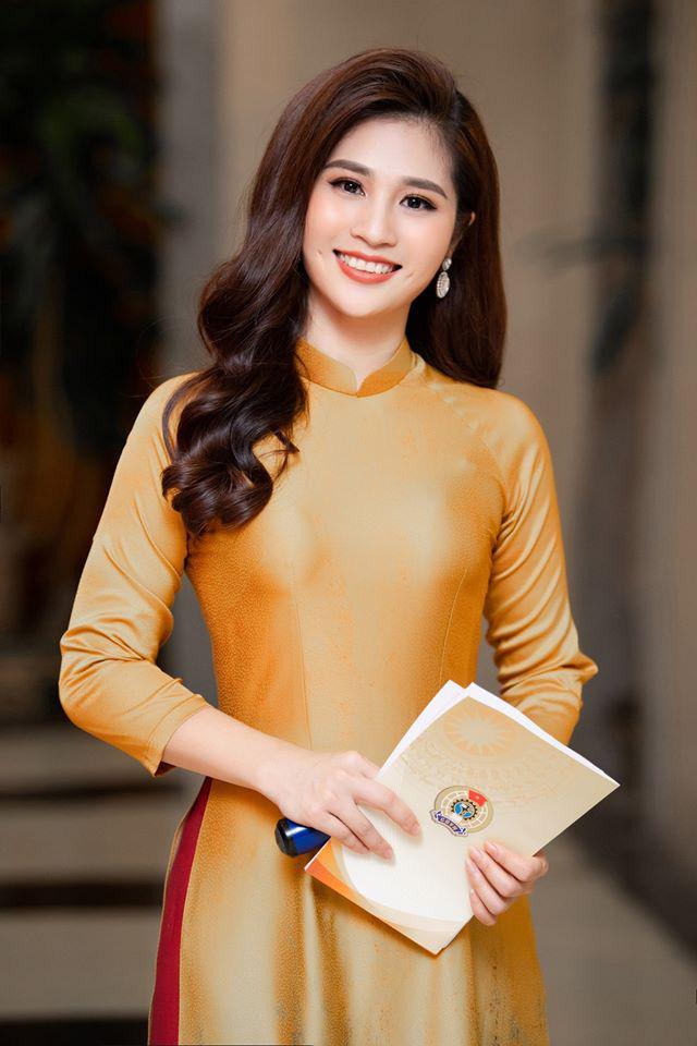 """BTV Minh Trang """"Thời sự 19h"""": """"Tôi dị ứng với đàn ông ba hoa và khôn vặt"""" - Ảnh 1."""