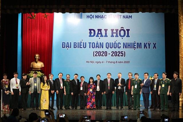 Ông Võ Văn Thưởng: Âm nhạc nuôi dưỡng tâm hồn, góp phần tạo ra các bản sắc và phẩm giá con người Việt Nam - Ảnh 3.