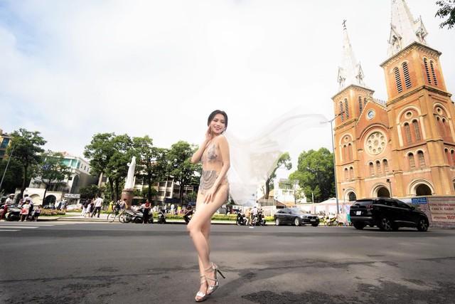 """Sao Việt chụp ảnh cưới phản cảm bị đánh giá là """"rẻ tiền"""" - Ảnh 4."""