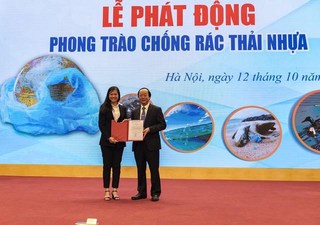 Tập đoàn An Phát Holdings tham gia phong trào chống rác thải nhựa - Ảnh 1.