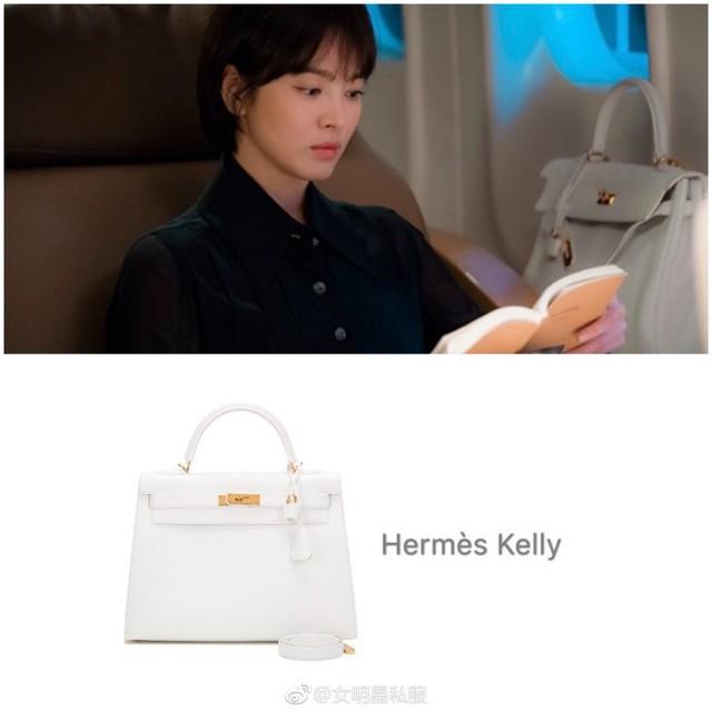Ngoài kiểu tóc 10 năm không đổi, chiếc túi này của Song Hye Kyo còn khiến dân tình réo tên Hậu Duệ Mặt Trời - Ảnh 5.