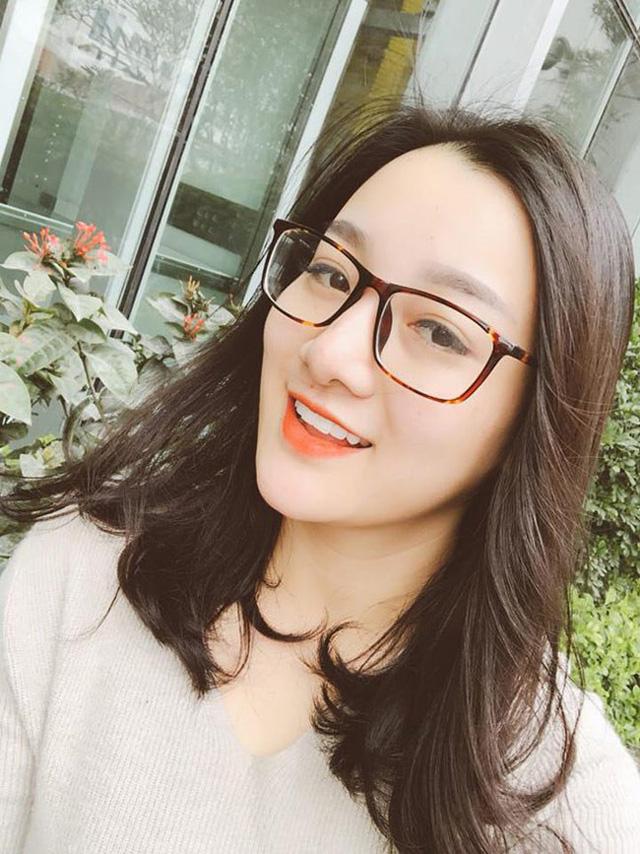 Thật bất ngờ, Hoài Linh, Đàm Vĩnh Hưng, Long Nhật lại có 3 cô con gái nuôi xinh đẹp như thế này - Ảnh 1.