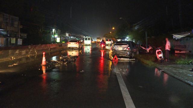 Tai nạn giao thông liên hoàn, nam công nhân trên đường đi đón vợ tử vong - Ảnh 1.