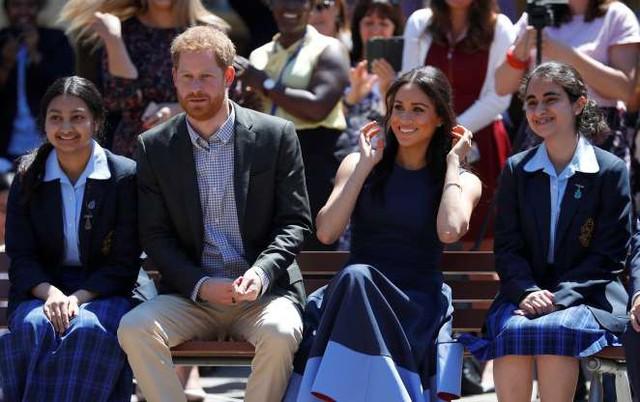 Công nương Meghan Markle đang nổi tiếng hơn cả Hoàng tử Harry - Ảnh 9.