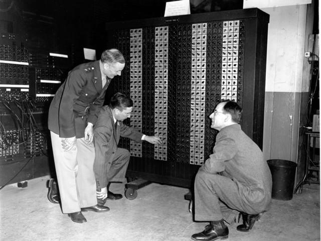 Biến đổi thần kỳ máy tính trong trường học suốt hơn nửa thế kỷ qua - Ảnh 3.