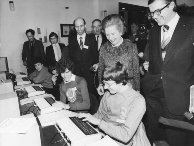 Biến đổi thần kỳ máy tính trong trường học suốt hơn nửa thế kỷ qua - Ảnh 9.