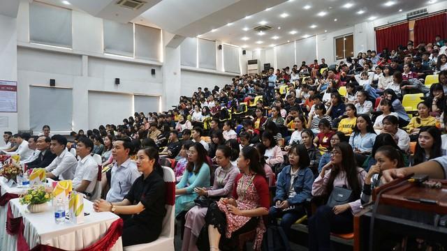 Đà Nẵng: Tuyên truyền Nghị quyết 08 của Bộ Chính trị về phát triển Du lịch đến sinh viên chuyên ngành - Ảnh 2.