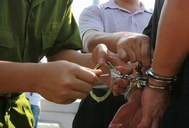 Nhận hối lộ, cán bộ Sở Tài nguyên và Môi trường Cà Mau bị khởi tố - Ảnh 1.