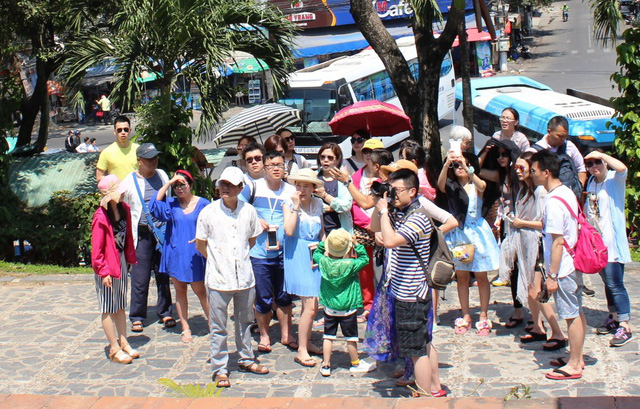 Hơn 1.4 triệu lượt khách Trung Quốc đến Nha Trang trong 10 tháng năm 2018 - Ảnh 1.