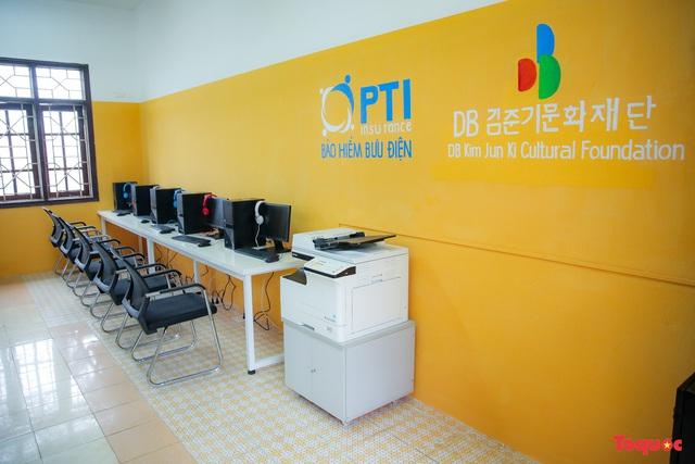 Tham quan phòng học tiếng Anh đa năng đầu tiên của Thái Nguyên - Ảnh 1.